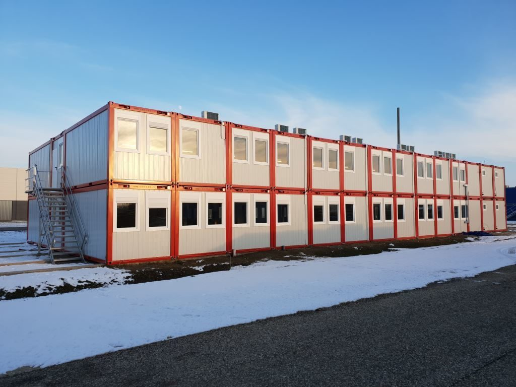 Office building consisting of 66 moduls